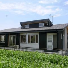 東南の外観: 氏原求建築設計工房が手掛けたtranslation missing: jp.style.家.eclectic家です。