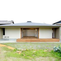 大きな屋根のいえ: miyukidesignが手掛けたtranslation missing: jp.style.家.scandinavian家です。