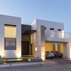 translation missing: id.style.rumah.modern Rumah by Grupo Arsciniest
