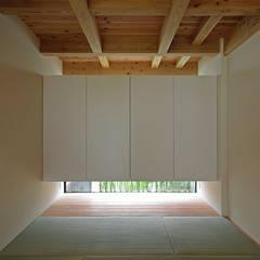 Salas multimedias de estilo translation missing: cl.style.salas-multimedias.asiatico por 空間建築-傳 一級建築士事務所