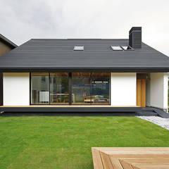 石巻の家: 空間建築-傳 一級建築士事務所が手掛けたtranslation missing: jp.style.家.asian家です。