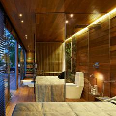 Dormitorios de estilo rústico por Cristina Menezes Arquitetura