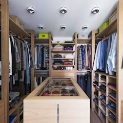 Ankleide | begehbarer Kleiderschrank: klassische Ankleidezimmer von DESIGNWERK Christl