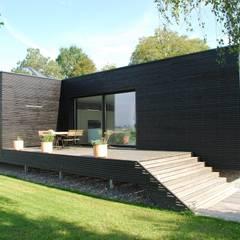 Gartenansicht: moderne Häuser von schroetter-lenzi Architekten