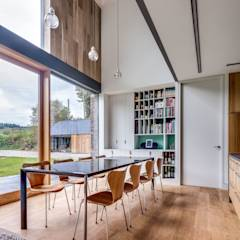 The Nook: modern Dining room by Hall + Bednarczyk Architects
