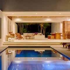 Casa Xixim: tropical Pool by Specht Architects