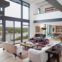 Cliff Dwelling: eclectic Living room by Specht Architects