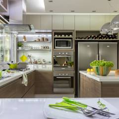translation missing: id.style.dapur.modern Dapur by GUTMAN+LEHRER ARQUITECTAS