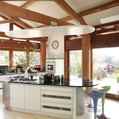 Hillside Farm Kitchen Two: modern Kitchen by DUA Architecture LLP
