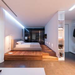 apartment V-21: minimalistic Bedroom by VALENTIROV&PARTNERS