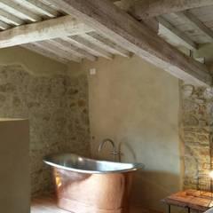 Casale SpecialUmbria.com: Camera da letto in stile in stile Rustico di Marcello Gavioli