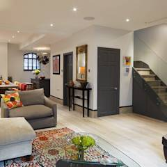 OPEN PLAN LIVING, DINING AND KITCHEN: modern Living room by REIS LONDON LTD