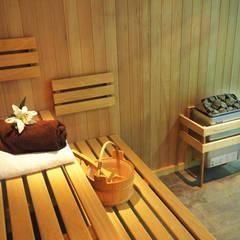 Bespoke Sauna & Steam Room for Pool Area: modern Pool by Oceanic Saunas