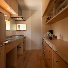 キッチン: 宇佐美建築設計室が手掛けたtranslation missing: jp.style.キッチン.classicキッチンです。