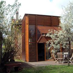 Maison B1: Maisons de style de style Moderne par SARL BOURILLET ET ASSOCIES