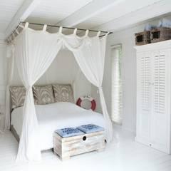 Haus Witzhave: mediterrane Schlafzimmer von raphaeldesign