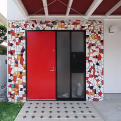 音楽家の家「Casa Felice」: ユミラ建築設計室が手掛けたtranslation missing: jp.style.窓-ドア.modern窓&ドアです。