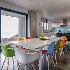 Venus Boardroom/Dining Table: modern Dining room by SOAP designs