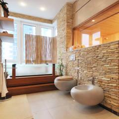 Baños de estilo asiático por Sky Gallery