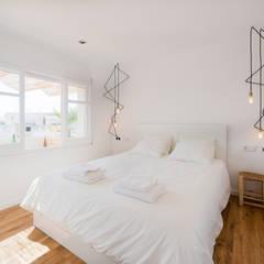 habitacion principal: Dormitorios de estilo moderno de LF24 Arquitectura Interiorismo