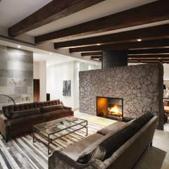 translation missing: id.style.ruang-keluarga.modern Ruang Keluarga by Juan Luis Fernández Arquitecto