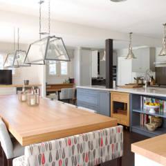 HE11: Cocinas de estilo moderno de YNOT BY JAIME DE PABLO-ROMERO