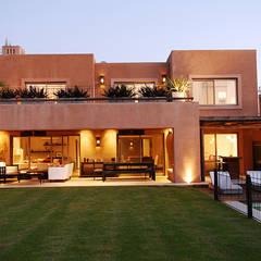 Casas ideas e inspiraci n homify for Casas estilo clasico moderno