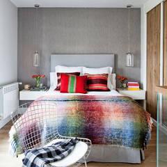 LOFT IN MADRID 2013: Dormitorios de estilo moderno de BELEN FERRANDIZ INTERIOR DESIGN