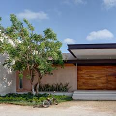 Por ahí: Casas de estilo moderno por r79