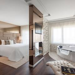 Suite Master: modern Bedroom by Movelvivo Interiores