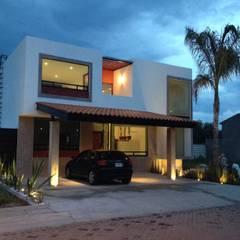 Garages de estilo moderno por Ambás Arquitectos