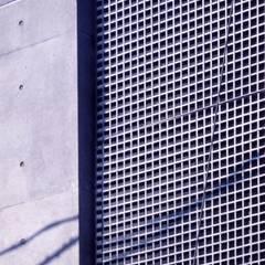 Projekty, nowoczesne Domy zaprojektowane przez 髙岡建築研究室