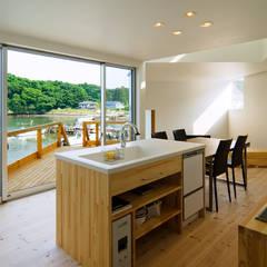 ハマノイエ: 関建築設計室 / SEKI ARCHITECTURE & DESIGN ROOMが手掛けたtranslation missing: jp.style.キッチン.modernキッチンです。