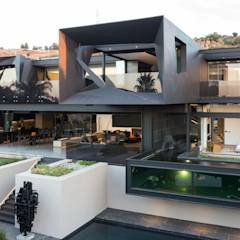 House in Kloof Road : modern Houses by Meulen Architects