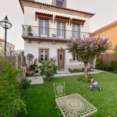 Casa em S. Pedro do Estoril: Jardins modernos por Ricardo Moreno Arquitectos