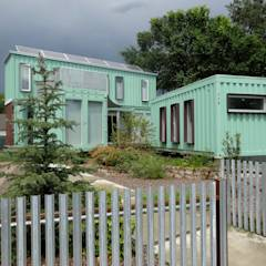 Container home front street view: modern Houses by Ecosa Institute