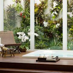 Spa de estilo moderno por Márcia Carvalhaes Arquitetura LTDA.