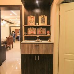 Pooja unit design: asian Living room by Bonito Designs Bangalore