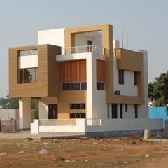 Casas de estilo asiático por S.R. Buildtech – The Gharexperts