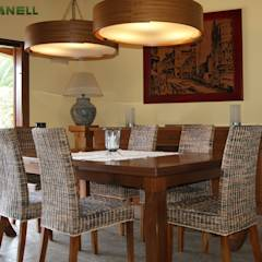 Comedor muebles madera iroko: Comedores de estilo mediterráneo de RIBA MASSANELL S.L.