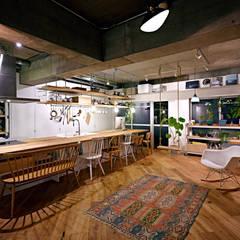 .8 HOUSE: .8 / TENHACHIが手掛けたtranslation missing: jp.style.ダイニング.industrialダイニングです。