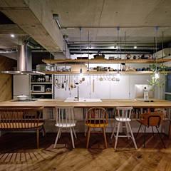.8 HOUSE: .8 / TENHACHIが手掛けたtranslation missing: jp.style.キッチン.industrialキッチンです。