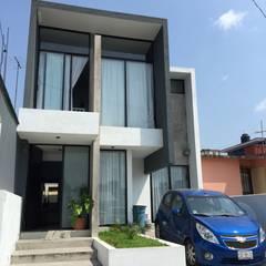 Después: Casas de estilo moderno por Neutral Arquitectos