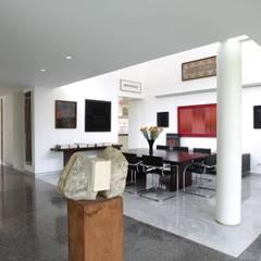 Casa BA: Comedores de estilo moderno por oda - oficina de arquitectura