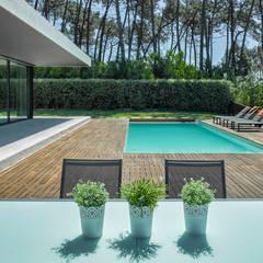 AM 2014 - Fão: Piscinas modernas por INAIN® interiordesign