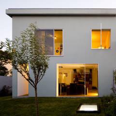 Casa na Ajuda: Habitações translation missing: pt.style.habitações.mediterranico por EXTRASTUDIO