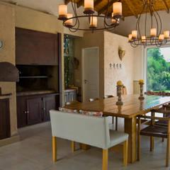 Jardines de invierno de estilo clásico por ALVARENGA+LLACAY arquitectos