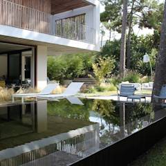 piscine id es inspiration photos homify. Black Bedroom Furniture Sets. Home Design Ideas