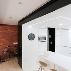 Foto de la cocina: Cocinas de estilo moderno de auno50 interiorismo