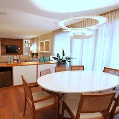 Campo Belo: Salas de jantar modernas por MeyerCortez arquitetura & design